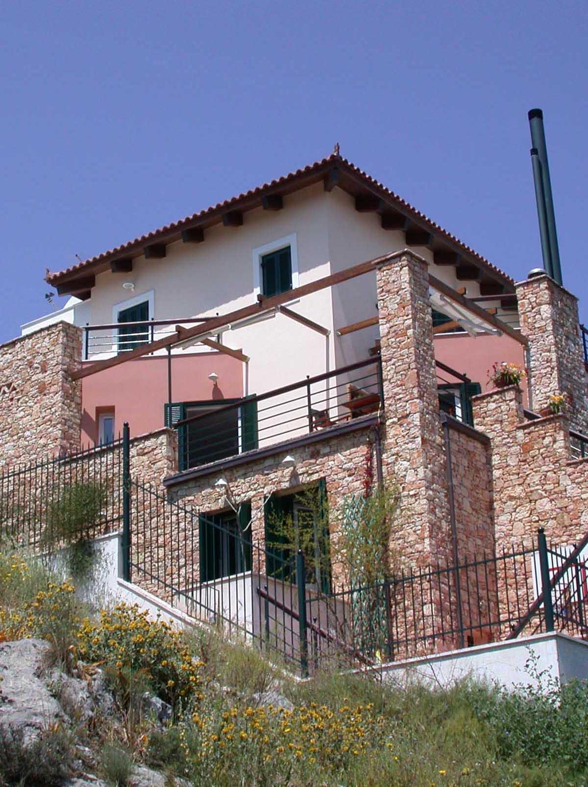 Stone Residence in Kanithos, Chalkida