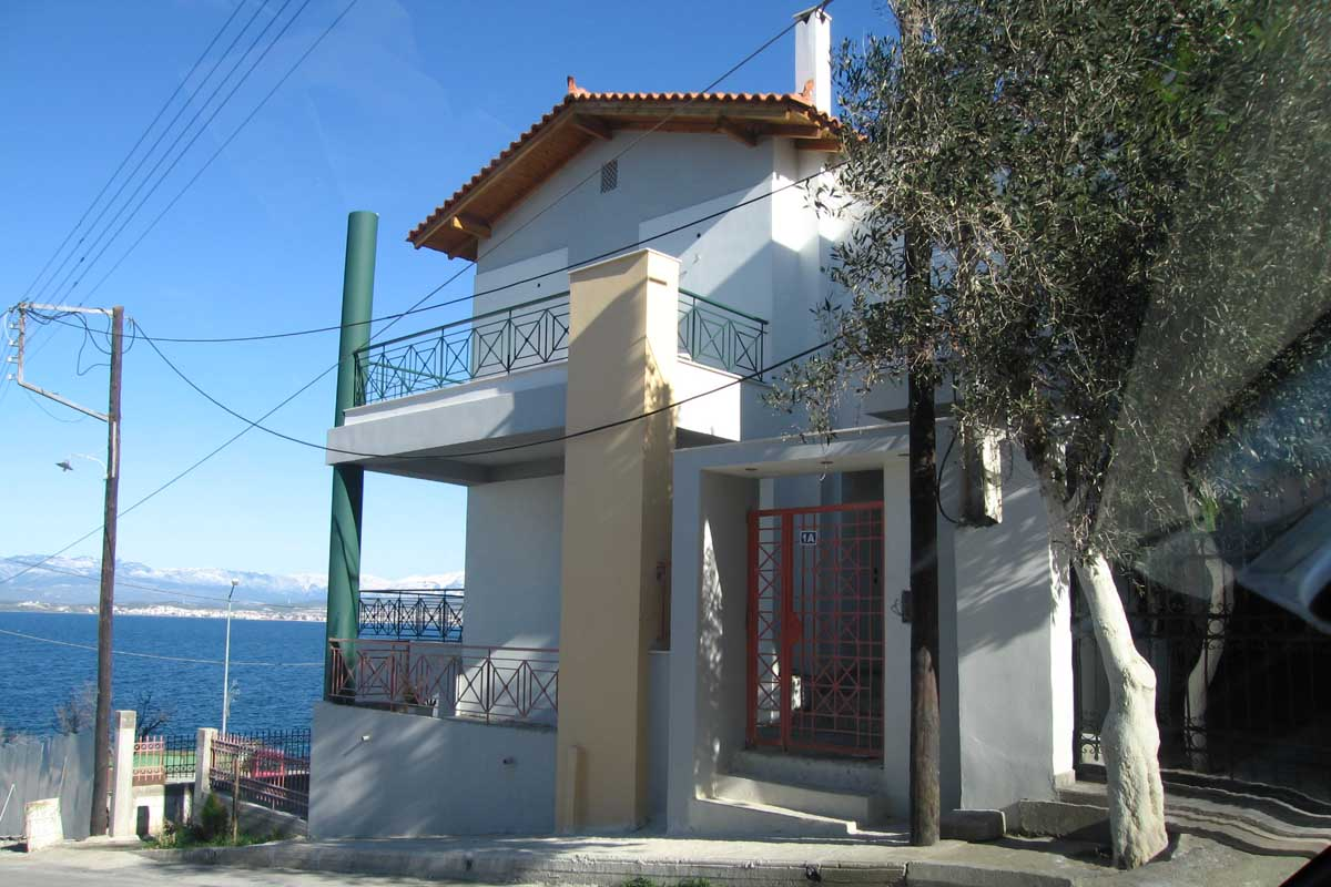 Residence in Rodies beach, Chalkida